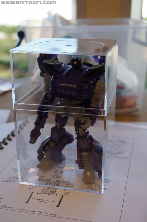 BotCon 2012 Shattered Glass Long Arm