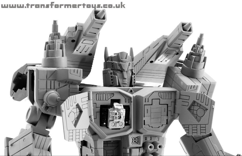 [BTS Toys] Produit Tiers - BTS-03 Kit G1 de Matrice d'Optimus, BTS-04 Sonicron (Soundwave/Radar), Mini cassettes Décepticons, Fort Maximus, Blaster/Tempo, BTS-06 Nova Lord (aka Overlord) - Page 2 Bts-nova-lord-aka-not-overlord-12