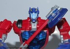 deluxe-cybertronian-optimus-prime-019.jpg