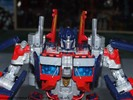 leaderclass-optimus-prime-013.jpg