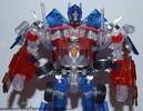 family-mart-leader-class-optimus-prime-015.jpg