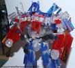 family-mart-leader-class-optimus-prime-017.jpg