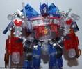 family-mart-leader-class-optimus-prime-018.jpg