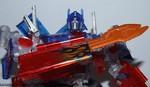 family-mart-leader-class-optimus-prime-037.jpg